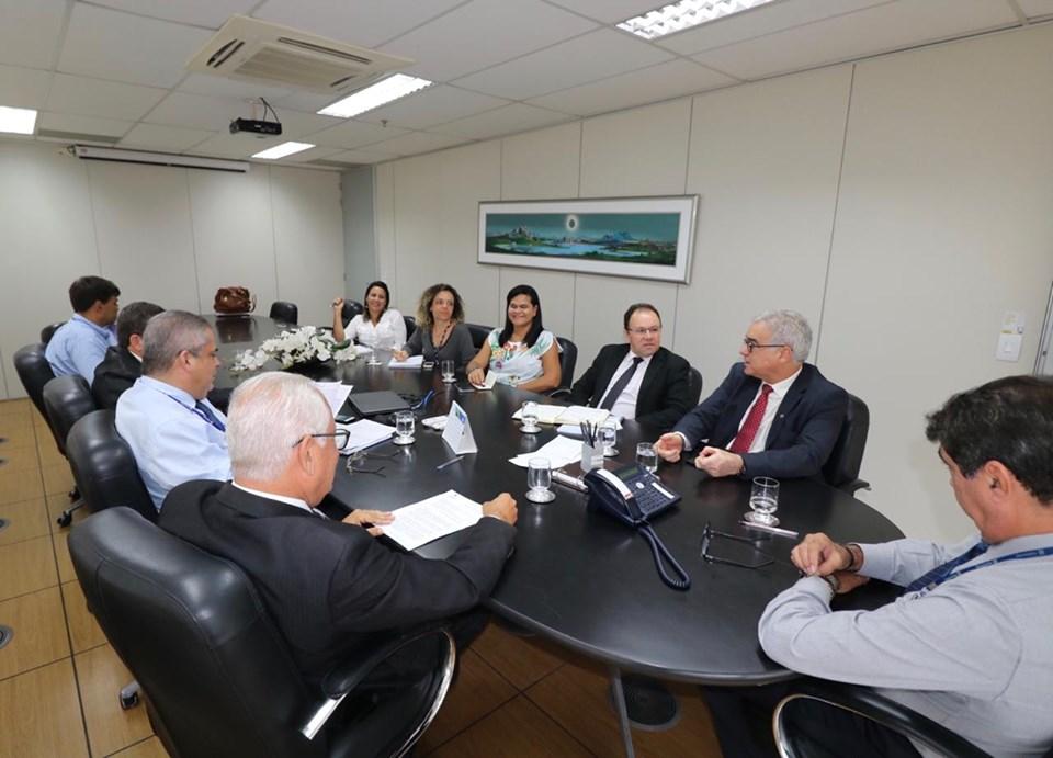 Reunião na Desenbahia discute apoio para financiamentos para a cadeia avícola