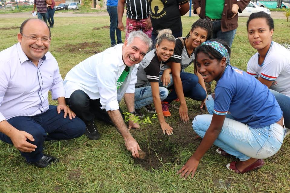 Mandato da Luta participa de Ato Simbólico de Plantio de mil mudas de árvores ao redor da Lagoa Grande, em Feira