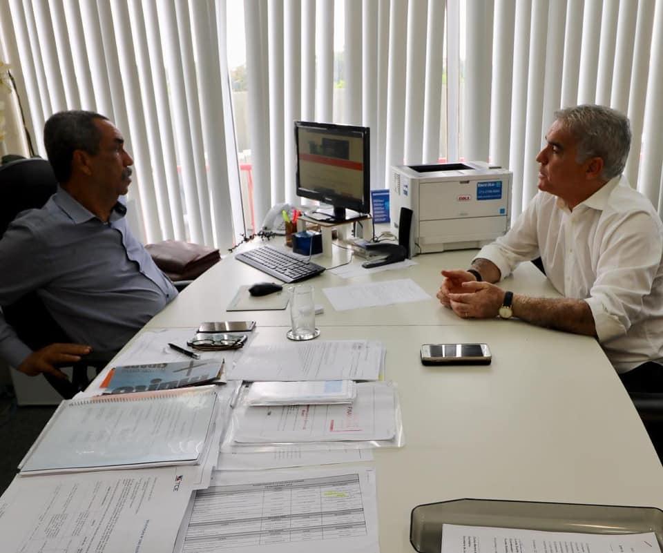 Zé Neto visita, em Salvador, o secretário de Justiça, Direitos Humanos e Desenvolvimento Social, Carlos Martins