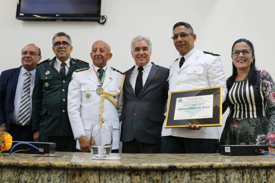 Câmara de Feira de Santana homenageia o Major Gildásio Gomes e o subcomandante geral José Reis, da Polícia Militar da Bahia