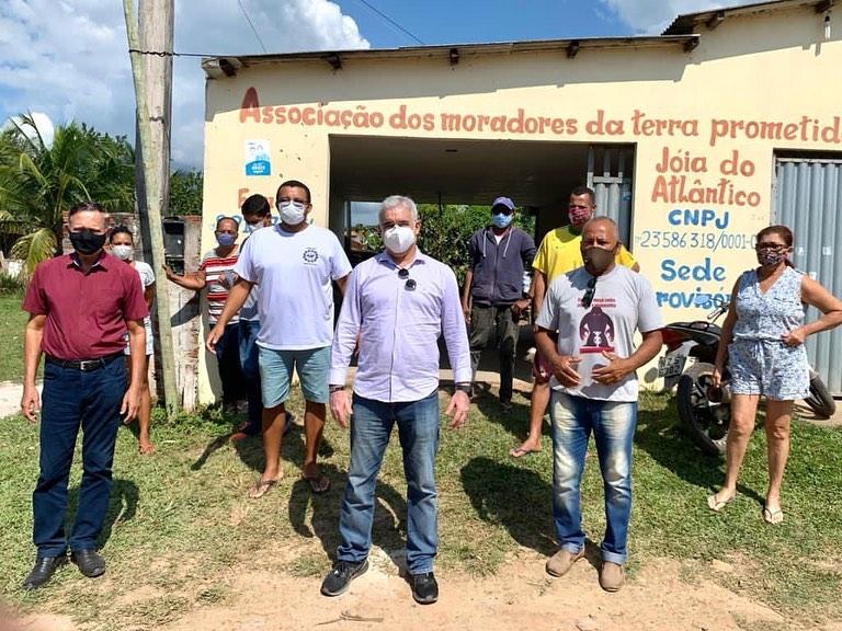Zé Neto visita Comunidade da Terra Prometida em Ilhéus